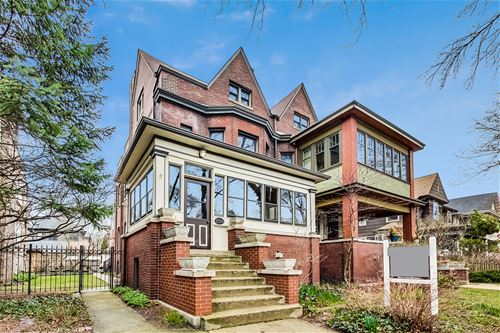5524 N Lakewood, Chicago, IL 60640 Edgewater