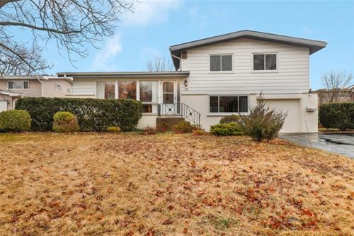 649 Fairway, Glenview, IL 60025