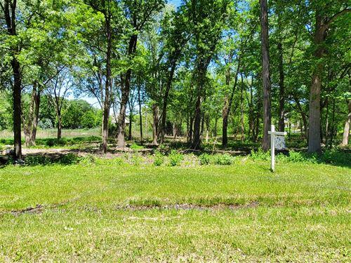 17444 Pin Oak, Gurnee, IL 60031