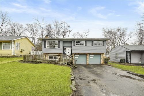 1114 Spruce, Lake In The Hills, IL 60156