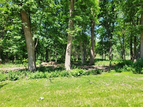 17490 Pin Oak, Gurnee, IL 60031