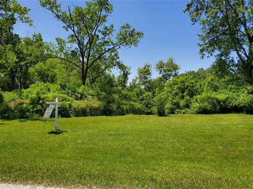 35051 Oak Knoll, Gurnee, IL 60031