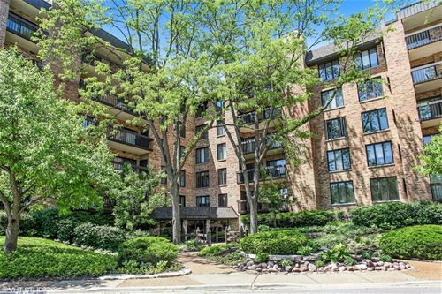 1740 Mission Hills Unit 309, Northbrook, IL 60062