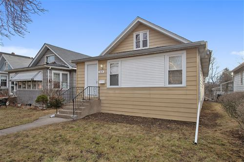 819 Hickory, Waukegan, IL 60085