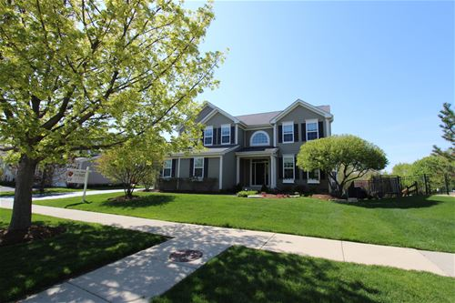 593 Waterford, Elgin, IL 60124