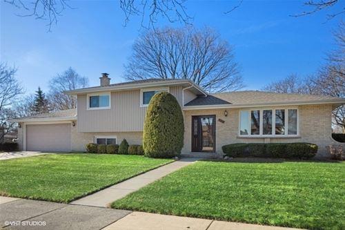 535 W Millns, Addison, IL 60101