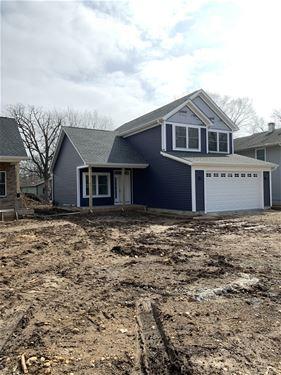 105 Burr Oak, Crystal Lake, IL 60014