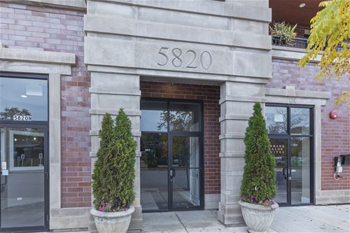 5820 N Clark Unit 404, Chicago, IL 60660 Edgewater