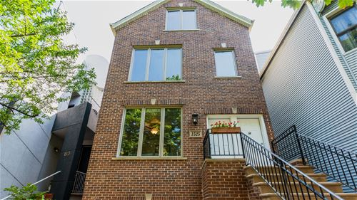 1525 W Barry Unit 2F, Chicago, IL 60657 Lakeview