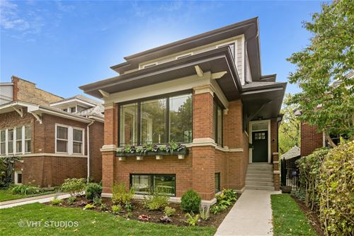 2737 W Sunnyside, Chicago, IL 60625 Albany Park