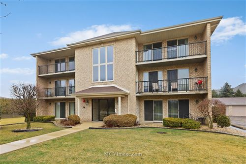 12755 St Andrews Unit 301, Lemont, IL 60439
