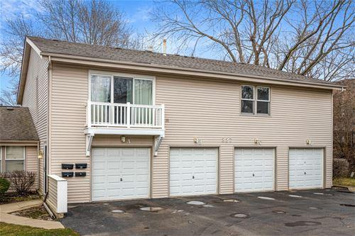 327 Georgetown Unit D, Bloomingdale, IL 60108