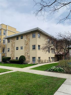 426 N Harvey Unit 2NE, Oak Park, IL 60432