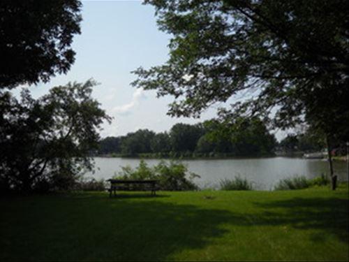 313 N Lake Shore, Cissna Park, IL 60924