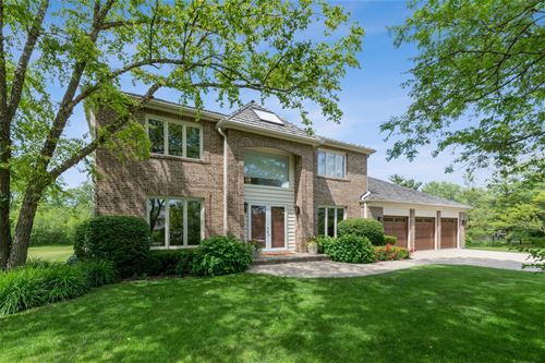 120 S Basswood, Lake Forest, IL 60045