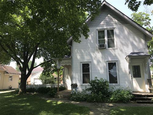 143 N Grove, Carpentersville, IL 60110