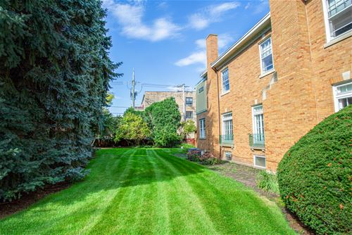 5546 N Paulina, Chicago, IL 60640 Andersonville