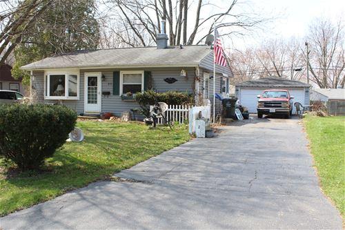 46 Wren, Carpentersville, IL 60110