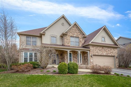 775 Chasewood, South Elgin, IL 60177