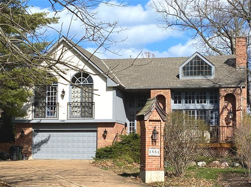 1551 Edgewood, Lake Forest, IL 60045