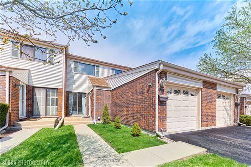38 W Wimbolton, Mount Prospect, IL 60056
