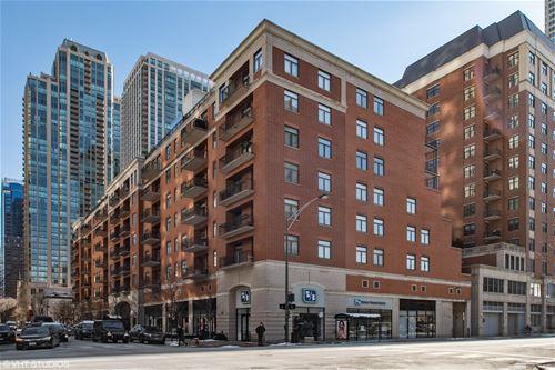 33 W Huron Unit 411, Chicago, IL 60654 River North