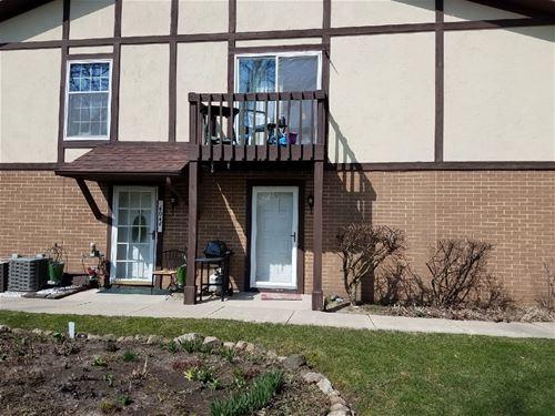 404 St Johns Unit 5F, Woodstock, IL 60098