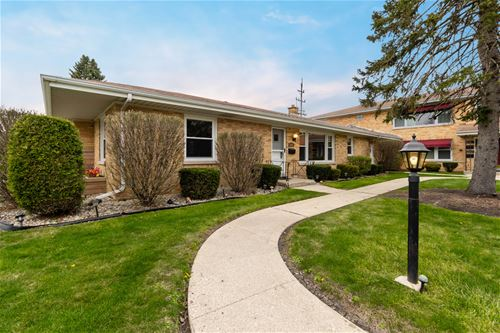1547 Balmoral, Westchester, IL 60154