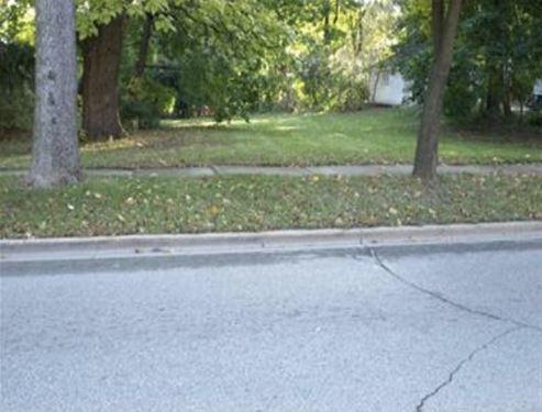 639 S Hough, Barrington, IL 60010