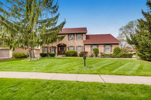 803 S Whispering Hills, Naperville, IL 60540