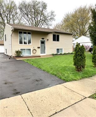 1582 Amy, Glendale Heights, IL 60139