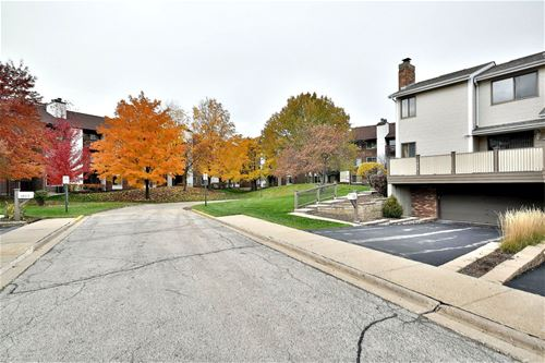 1014 Sussex, Northbrook, IL 60062