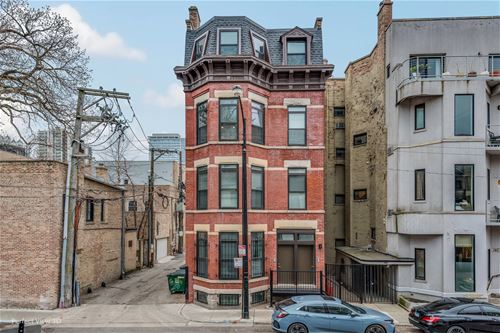 161 W Schiller Unit 3, Chicago, IL 60610 Old Town
