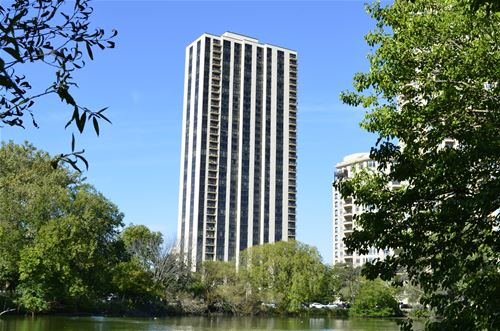2500 N Lakeview Unit 1003, Chicago, IL 60614