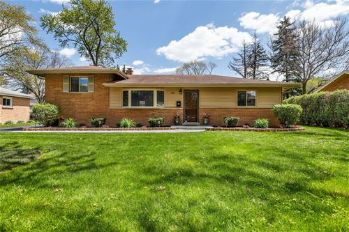 419 White Oak, Roselle, IL 60172