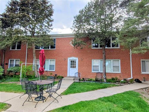 229 W Johnson Unit 2B, Palatine, IL 60067