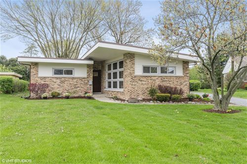 2302 Robincrest, Glenview, IL 60025