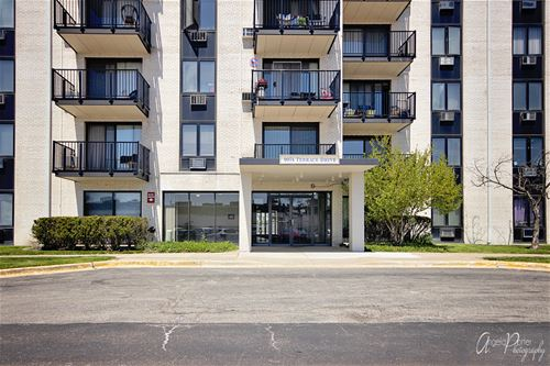 9074 W Terrace Unit 5M, Niles, IL 60714