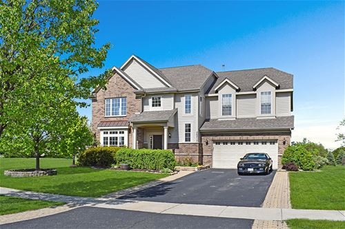 26212 Whispering Woods, Plainfield, IL 60585