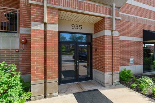 935 Burlington Unit 402, Downers Grove, IL 60515