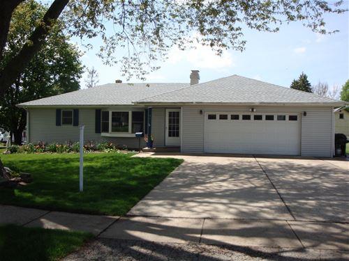 921 Prospect, Belvidere, IL 61008