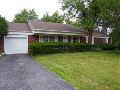 307 Checker, Buffalo Grove, IL 60089