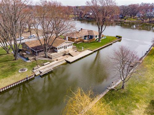 8619 Hickory Nut Grove, Cary, IL 60013
