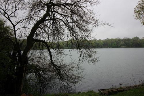 219 W Lake Shore, Oakwood Hills, IL 60013