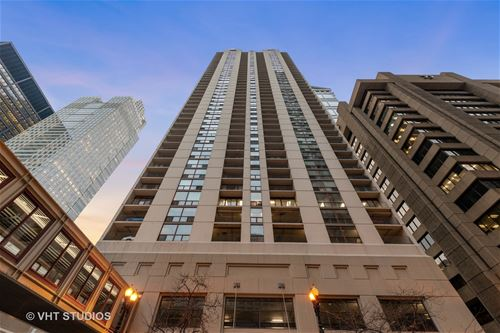 200 N Dearborn Unit 2902, Chicago, IL 60601 The Loop