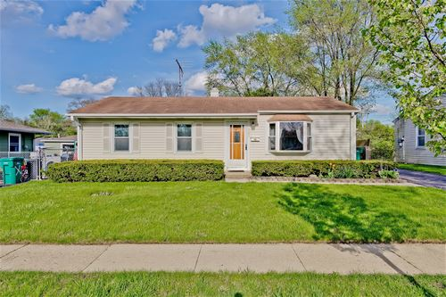 327 Hiawatha, Buffalo Grove, IL 60089