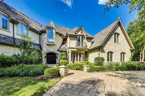 360 Belle Foret, Lake Bluff, IL 60044