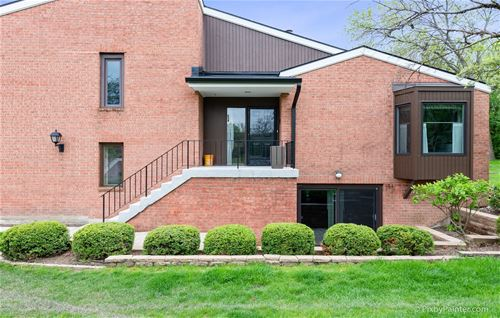 2S570 Patrick Henry Unit 119, Oak Brook, IL 60523