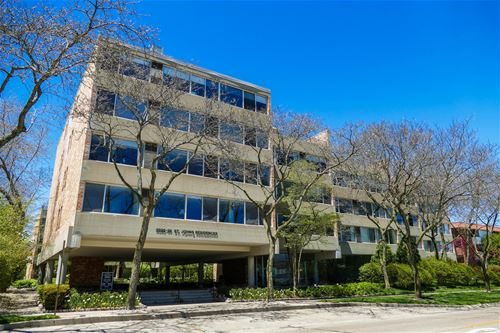 2022 St Johns Unit 301, Highland Park, IL 60035