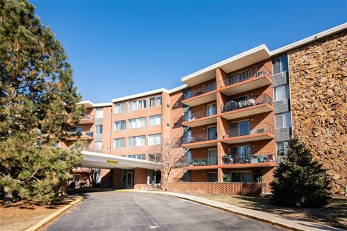 18 E Old Willow Unit 328, Prospect Heights, IL 60070